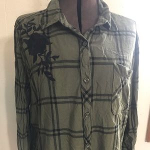 Time and Tru long sleeve button down